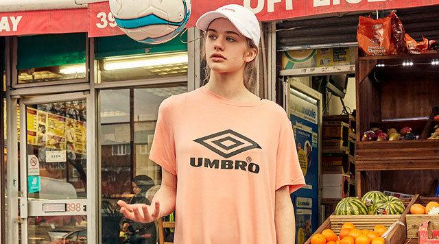 빅로고 티셔츠