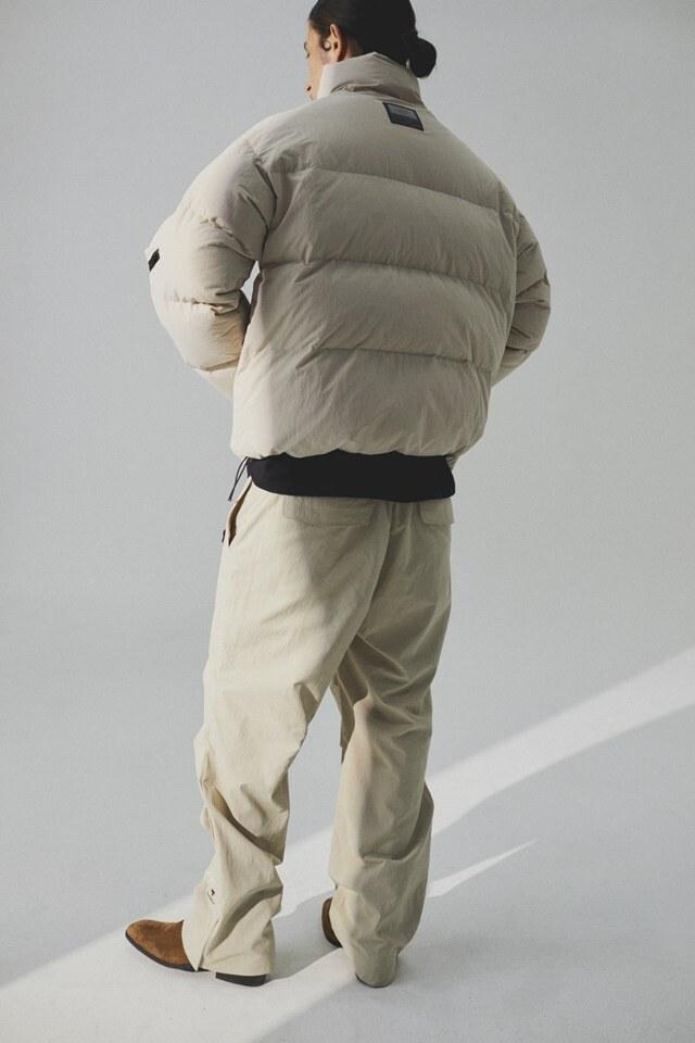 엄브로(UMBRO) Reversible Goose Short Down Beige (U0421CDJN7)