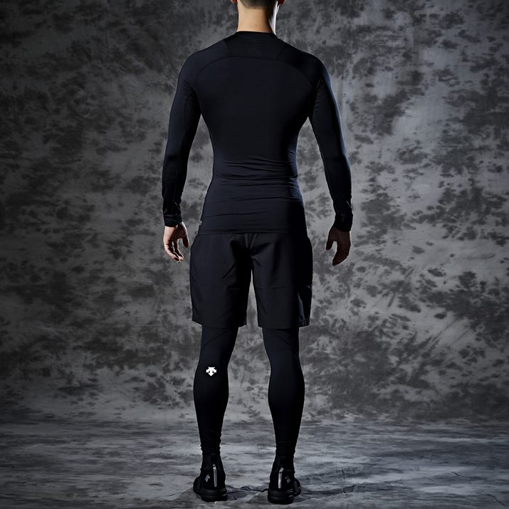 데상트(DESCENTE) 남성 트레이닝 벡터 긴팔 컴프레션 티셔츠 (S9321TCO72)