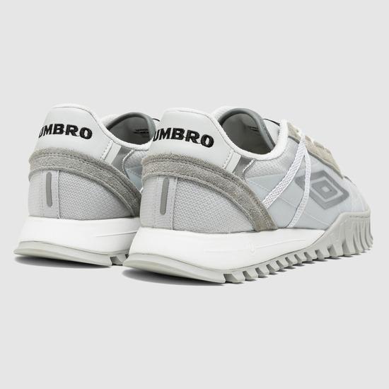 엄브로(UMBRO) Heropa 001 (헤로파 001) 실버 (UM323CTP90)